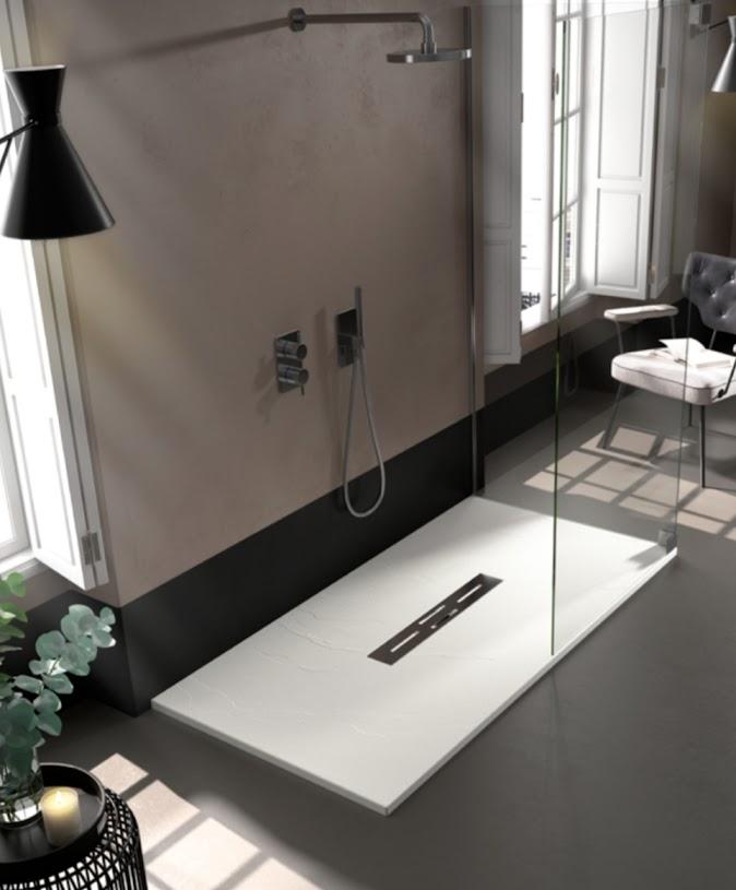 Plato de ducha con desague central. Modelo Ardesia.